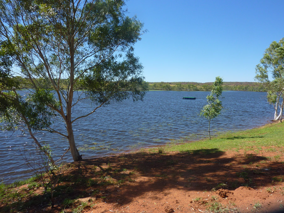 Lac à Tennant Creek (douches chaudes)